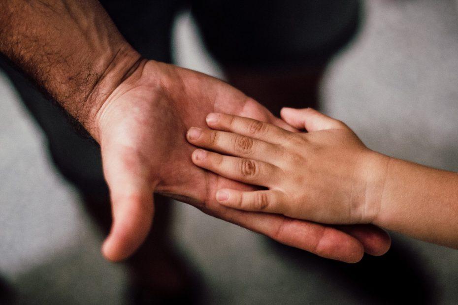 dificultar a convivência de pais e filhos pode configurar alienação parental